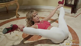 Fiery sporty MILF Cherie Deville fingers her botheration while object fucked