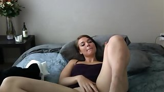 Dumb CUte Teen Fingers TO Orgasm Unaffected by Cam