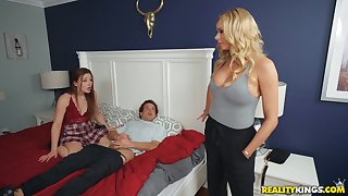 Lucky perv fucks his girlfriend with an increment of her hot mom