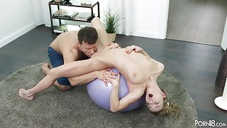 Yoga Girl Sonya Sweet Teen porn video