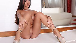 Bubble-Butt Alyssia: Big Cock Audition