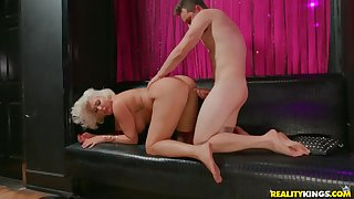 Super fat ass on a cock riding tow-headed mommy