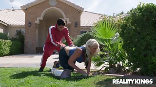 Order about blonde housewife Alena Croft fucked at the end of one's tether a random white lady's man