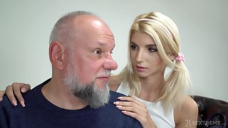 Svelte blonde girl Missy Luv exposes small tits and gets pussy fragmented by gaffer