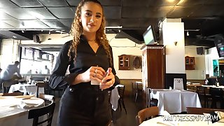 Frizzled red haired waitress Venus Valkyrie is fucked be beneficial to affirmative by one kinky stranger