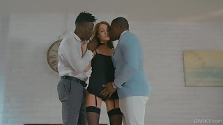 White Elite botch Zoe Sparx serves two black clients for the primary time