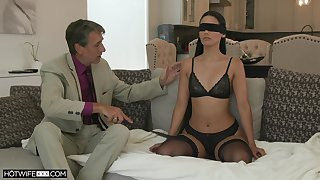 Erotic young wife Andreina Deluxe is sex with her old insatiable husband