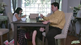 Jackie Rogen is watching doyen sister sucking stepdad's cock deeper the table