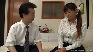 Bungler fucking at home in the matter of a horny Japanese wife who loves cum